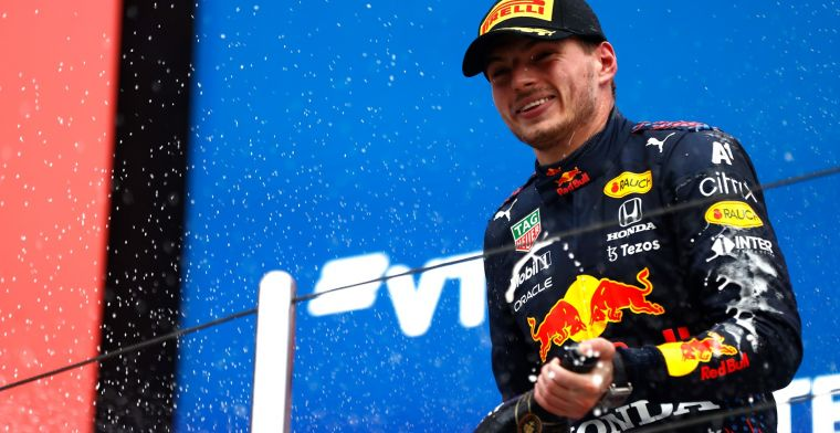 Lewis stelt teleur bij Nederlandse pers: 'Recordzege voelt aan als gemiste kans'